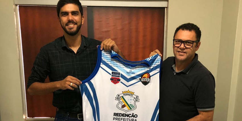 Redenção-PA: Prefeitura doa uniforme para o Basquete
